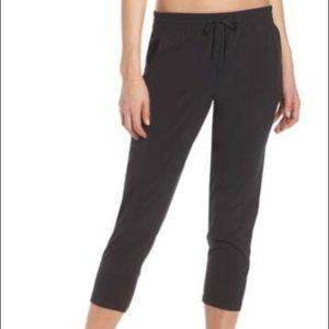 NWOT Zella Grey Adapt Stretch Crop Pants XS